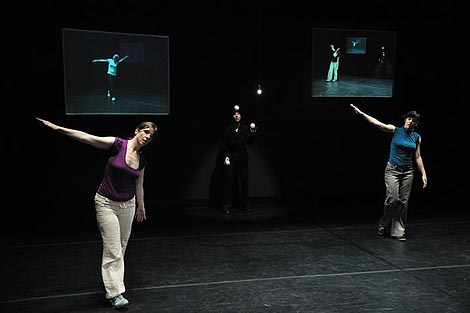 After Trio A, koncept / koreografija: Andrea Božić, foto: Ksenija Španec