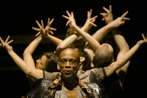 Babel, koreograf Sidi Larbi Cherkaoui