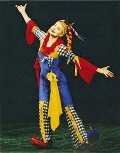 Ilijana Lončar u predstavi Plava boja snijega ili show kod dvorske lude Grigora Viteza / Jurice Leikauffa, red. Ivan Petar Marjanović, Gradsko kazalište Požega, sezona 2001/2002.