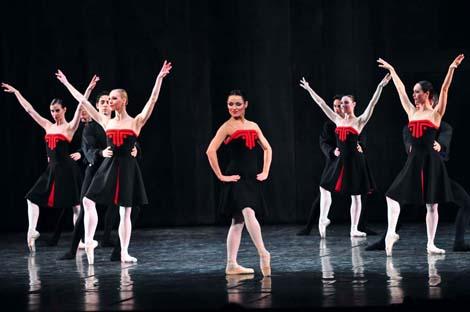 Mirna Sporiš i ansambl Baleta; HNK u Zagrebu: George Balanchine – Hans van Manen – Derek Deane, Večer tri baleta, Pet tanga, kor. Hans van Manen, foto: © Novković