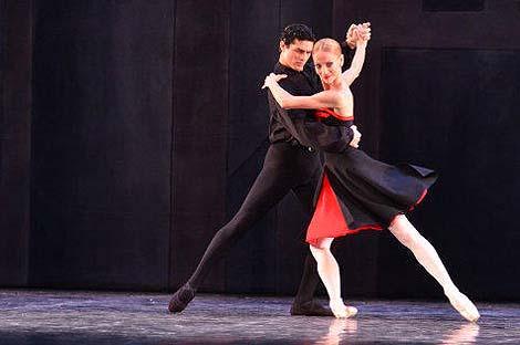 George Stanciu, Edina Pličanić; HNK u Zagrebu: George Balanchine – Hans van Manen – Derek Deane, Večer tri baleta, Pet tanga, kor. Hans van Manen, foto: © Novković