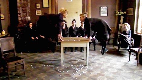 Kristalna kocka vedrine, Sisak: Republika Mašte (skica za predstavu), autori: Jasminka Petek Krapljan i Jasmin Novljaković