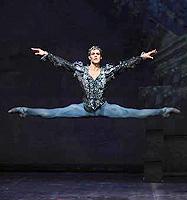 Roberto Bolle (Oberon); Balet milanske Scale, San ljetne noći (Sogno di una notte di mezza estate), kor. George Balanchine, glaz. Felix Mendelssohn Bartoldy