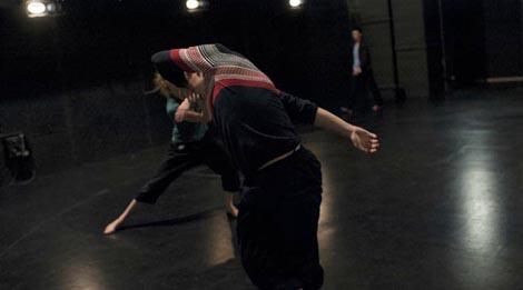 Studio za suvremeni ples, Zagreb i Wee company Oslo: Surprised Body, kor. Francesco Scavetta
