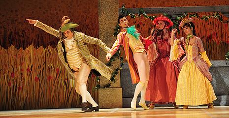 Balet HNK u Zagrebu: Ferdinand Hérold – Ludwig Hertel, Vragolasta djevojka, kor. i red. Vladimir Derevianko, foto: © Saša Novković; na fotografiji Viorel Dascalu, Matjaž Marin (Alain), Danijela Batur, Anželika Marović-Matić