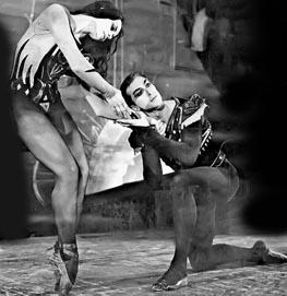 Jovanka Bjegojević i Žarko Prebil u baletu Dvoboj Tancredija i Clorinde, Narodno pozorište u Beogradu, 1962.